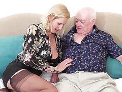 Horny grown up wife Molly Maracas enjoys having sex with regard to her hubby