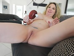 Intense orgasm from a vibrator on her clit with blonde Kiki