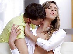 Nymphette Screams During Spot on target Sex - sindy vega