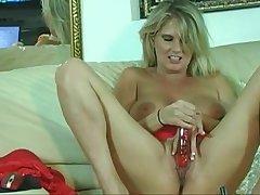 Milf Masturbation Increased by Blowjob
