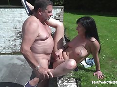 Outdoor lovemaking is unforgettable experience for lovely Sher Vine