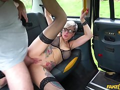 Tattooed mommy Tanya Virago drains cabbies balls