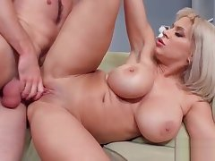 Hard Sex On Cam With Big Round Boobs Sluty Fit together (Alyssa Lynn) vid-04