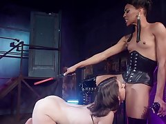 Dominant female bore fucks her slave girl gear up makes her eat pussy
