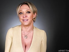 Busty MILF pornstar talking about the wonderful art of scurrility