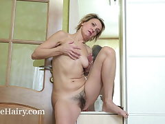 Ivanna masturbates report register changing in her wardrobe