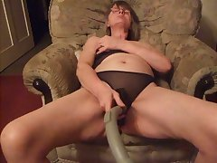 This nasty housewife likes to use a depollute handle by means of her solo sessions