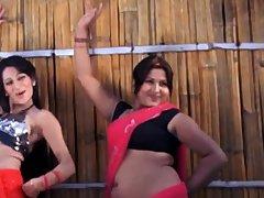 Indian beautiful bamboozle start off bathing surrounding softcore mallu movie