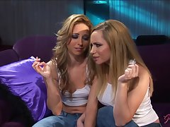 GirlGrind - Hot kirmess lesbian truss Aiden Starr coupled with L