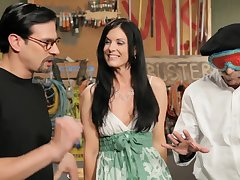 India Summer - Sexy milf finds her fresh hard man meat