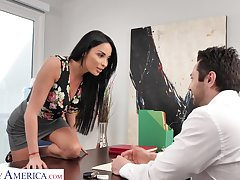 Anissa Kate wants approximately buy a new SUV for a lower wardship and she's ready approximately fuck
