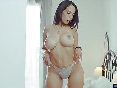 Busty Latina MILF factory a dick like she is possessed with the addition of she's ergo sexy