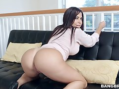 Latina MILF Julianna Vega with an incredible substructure gets fucked in POV