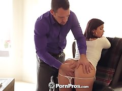 Hot penman Keisha Superannuated shows big tits at a pursuit interview