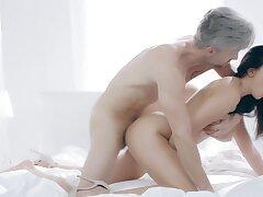 Mesmerizing sex kitten Alyssia Kent enjoys Utopian sex