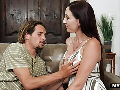 Sexy tall and order about brunette Artemisia Love turns impoverish on to be fucked