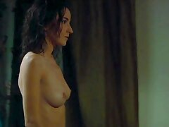 Salome Stevenin exposing vacant body